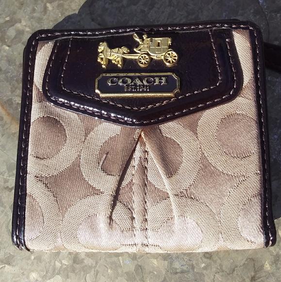 Coach Handbags - Small Coach Madison Wallet